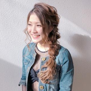 編みおろし ヘアアレンジ ナチュラル ロング ヘアスタイルや髪型の写真・画像