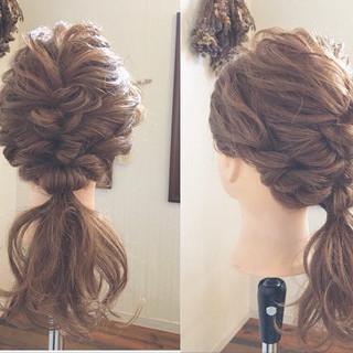 ナチュラル オフィス 結婚式 簡単ヘアアレンジ ヘアスタイルや髪型の写真・画像