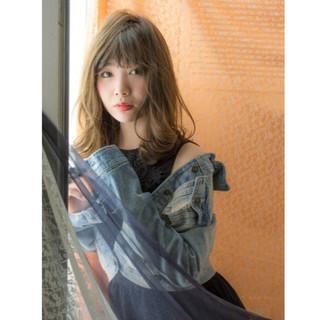 フェミニン かっこいい セミロング アンニュイ ヘアスタイルや髪型の写真・画像