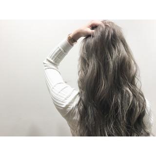 アッシュ ブラウン ロング ストリート ヘアスタイルや髪型の写真・画像