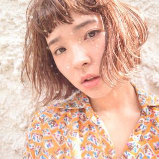 ワイドバング 外国人風 ボブ ストリート ヘアスタイルや髪型の写真・画像