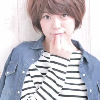 ストリート 外国人風 大人かわいい 前髪あり ヘアスタイルや髪型の写真・画像