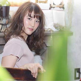 リラックス パーマ フェミニン 女子会 ヘアスタイルや髪型の写真・画像