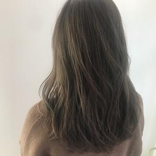 ナチュラル ベージュ ブラウンベージュ グレー ヘアスタイルや髪型の写真・画像