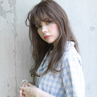 前髪あり フェミニン アッシュ ナチュラル ヘアスタイルや髪型の写真・画像