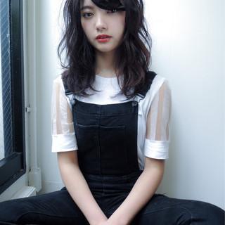 黒髪 パーマ セミロング ストリート ヘアスタイルや髪型の写真・画像