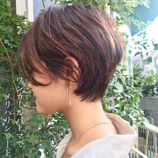 ナチュラル ショート インナーカラー ショートボブ ヘアスタイルや髪型の写真・画像