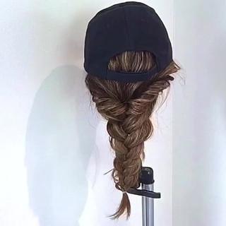 キャップ 編み込み ロング デート ヘアスタイルや髪型の写真・画像 ヘアスタイルや髪型の写真・画像