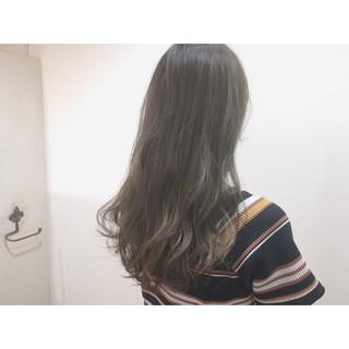 ストリート 前髪あり アッシュベージュ ロング ヘアスタイルや髪型の写真・画像
