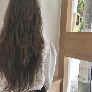 ハイライト ロング ナチュラル ハイトーン ヘアスタイルや髪型の写真・画像 ヘアスタイルや髪型の写真・画像