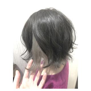 グレージュ インナーカラー フェミニン ミルクティーベージュ ヘアスタイルや髪型の写真・画像