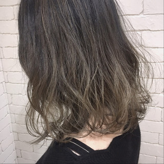 ボブ 透明感 グラデーションカラー ミディアム ヘアスタイルや髪型の写真・画像