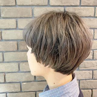 ショート 小顔ショート マッシュショート ダブルカラー ヘアスタイルや髪型の写真・画像