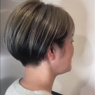 ダブルカラー ジェンダーレス ツートンカラー ストリート ヘアスタイルや髪型の写真・画像