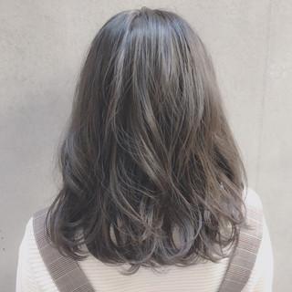 ミディアム 大人かわいい イルミナカラー ナチュラル ヘアスタイルや髪型の写真・画像