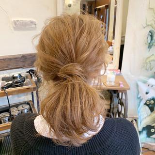 ポニーテールアレンジ ナチュラル 後れ毛 大人可愛い ヘアスタイルや髪型の写真・画像