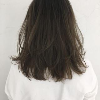 グレージュ 外国人風 ニュアンス 抜け感 ヘアスタイルや髪型の写真・画像