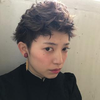 パーマ 黒髪 モード ショート ヘアスタイルや髪型の写真・画像 ヘアスタイルや髪型の写真・画像