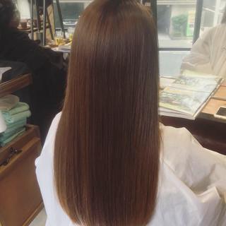 アッシュグレージュ ロング ナチュラル oggiotto ヘアスタイルや髪型の写真・画像