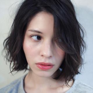 ミディアム 大人かわいい 抜け感 色気 ヘアスタイルや髪型の写真・画像