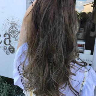 ハイライト 外国人風 グレージュ ロング ヘアスタイルや髪型の写真・画像
