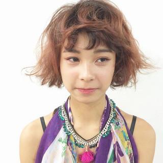 ショートバング パーマ ボブ セミウェット ヘアスタイルや髪型の写真・画像