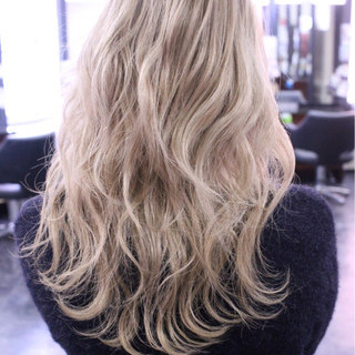 金髪 大人女子 セミロング かっこいい ヘアスタイルや髪型の写真・画像 ヘアスタイルや髪型の写真・画像