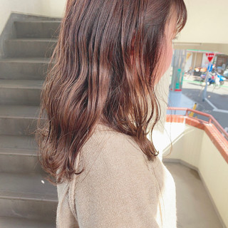 ナチュラル 波巻き セミロング 暗髪女子 ヘアスタイルや髪型の写真・画像