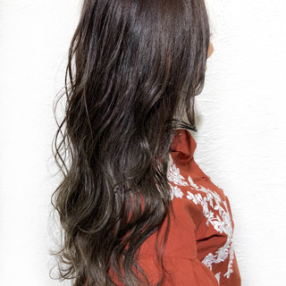 ナチュラル ゆるふわ ロング アッシュ ヘアスタイルや髪型の写真・画像