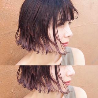 インナーカラー ナチュラル ハイライト フリンジバング ヘアスタイルや髪型の写真・画像