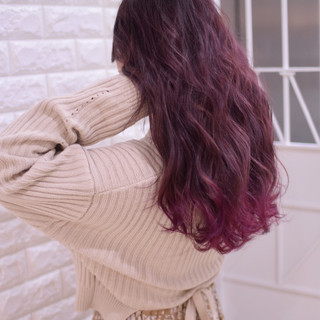 ロング ピンクラベンダー デート 波ウェーブ ヘアスタイルや髪型の写真・画像