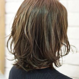 デート ミディアム ナチュラル 透明感 ヘアスタイルや髪型の写真・画像