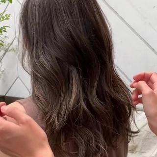 グレージュ ロング 外国人風カラー 外国人風 ヘアスタイルや髪型の写真・画像