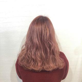 ナチュラルグラデーション フェミニン ピンクパープル ベリーピンク ヘアスタイルや髪型の写真・画像
