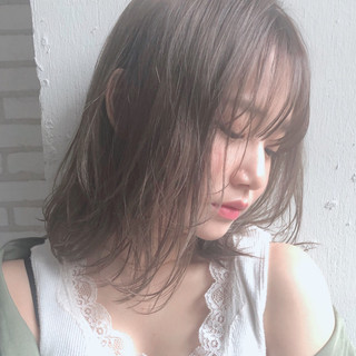 アンニュイほつれヘア パーマ ヘアアレンジ ミディアム ヘアスタイルや髪型の写真・画像