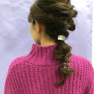 ヘアアレンジ 編みおろしヘア セミロング ガーリー ヘアスタイルや髪型の写真・画像