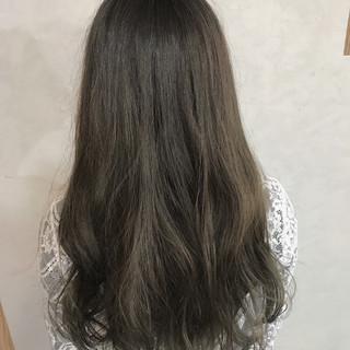 ガーリー セミロング アッシュ 外ハネ ヘアスタイルや髪型の写真・画像