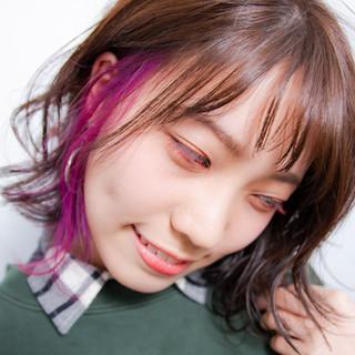 インナーカラー ボブ パーマ インナーカラーパープル ヘアスタイルや髪型の写真・画像