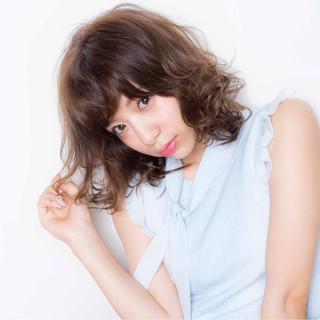 ロブ フェミニン 大人かわいい 前髪あり ヘアスタイルや髪型の写真・画像