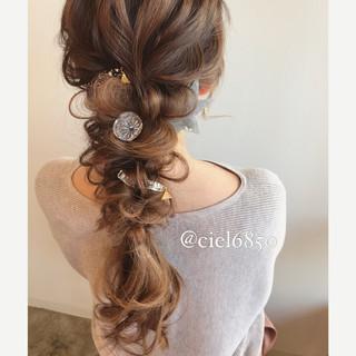 結婚式 グレージュ ロング フェミニン ヘアスタイルや髪型の写真・画像
