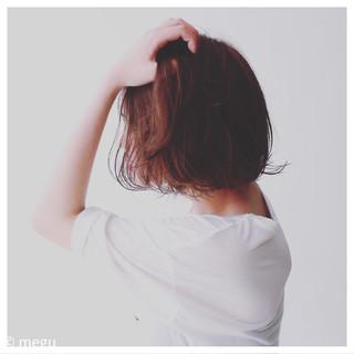 ブラントカット 外ハネ ナチュラル ワンレングス ヘアスタイルや髪型の写真・画像
