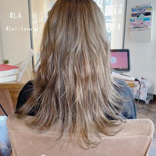 ミディ セミロング 圧倒的透明感 透明感 ヘアスタイルや髪型の写真・画像