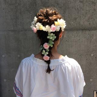 ブライダル ミディアム ヘアアレンジ ナチュラル ヘアスタイルや髪型の写真・画像