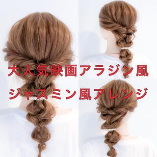 編み込み ロング フェミニン 簡単ヘアアレンジ ヘアスタイルや髪型の写真・画像 ヘアスタイルや髪型の写真・画像