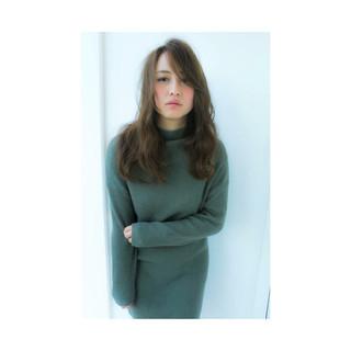 外国人風 グラデーションカラー ゆるふわ ロング ヘアスタイルや髪型の写真・画像