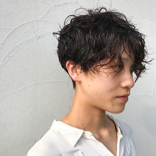 黒髪 ジェンダーレス ショート 刈り上げ ヘアスタイルや髪型の写真・画像