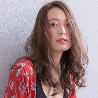秋 リラックス 外国人風 大人かわいい ヘアスタイルや髪型の写真・画像 ヘアスタイルや髪型の写真・画像