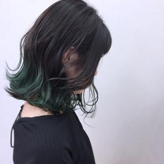 ミディアム ウェーブ 大人かわいい アンニュイ ヘアスタイルや髪型の写真・画像