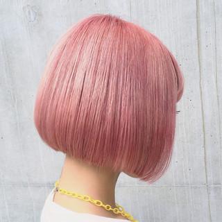 外国人風カラー ボブ ストリート ピンク ヘアスタイルや髪型の写真・画像
