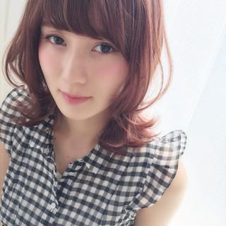 ピンク ハイライト ミディアム ストリート ヘアスタイルや髪型の写真・画像